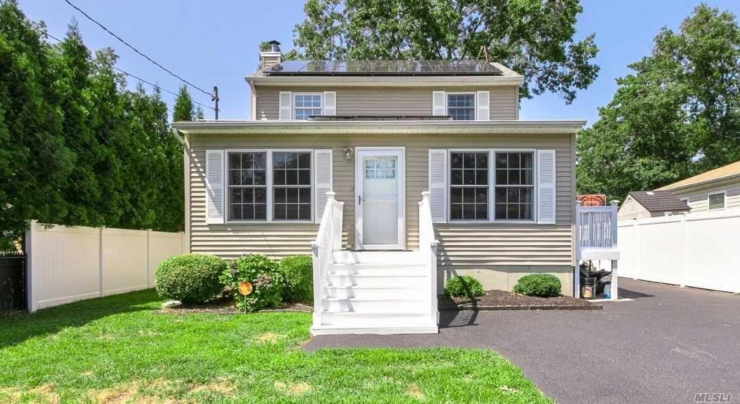 8 Dressel Drive, Mastic, NY 11950 - MLS#: 3241442