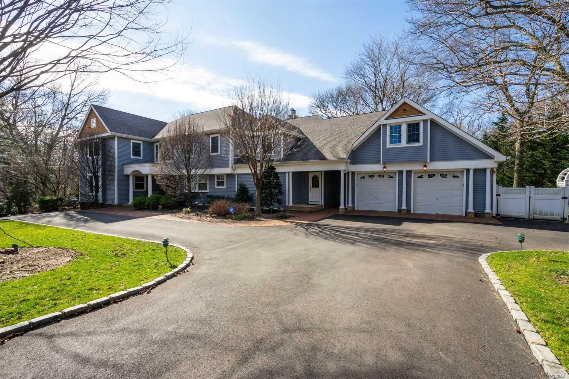 Photo of 28 Shady Lane, Laurel Hollow, NY 11791 (MLS # 3215444)