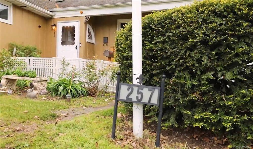Photo of 257 Davenport Avenue, New Rochelle, NY 10805 (MLS # H6114445)