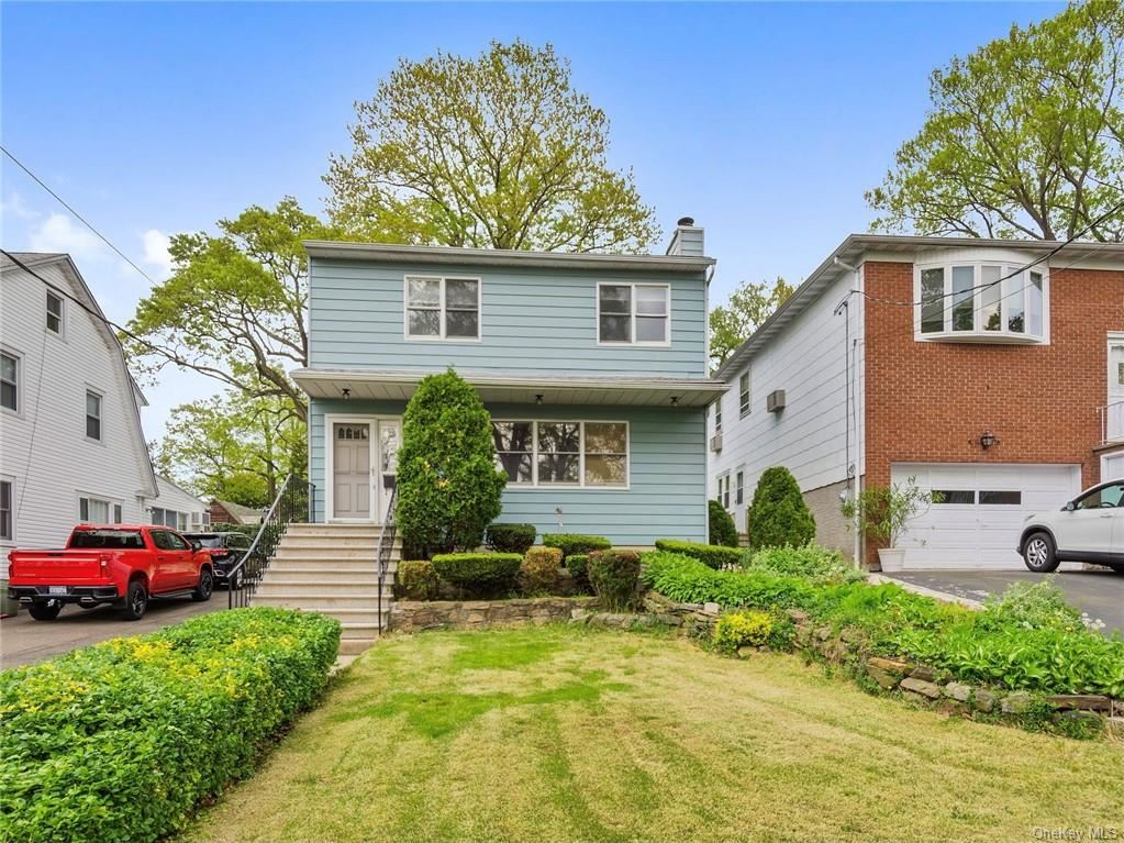 Photo of 28 Kingston Avenue, Yonkers, NY 10701 (MLS # H6114448)