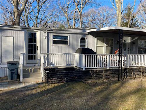 Photo of 105 Oakview, East Hampton, NY 11937 (MLS # 3297449)