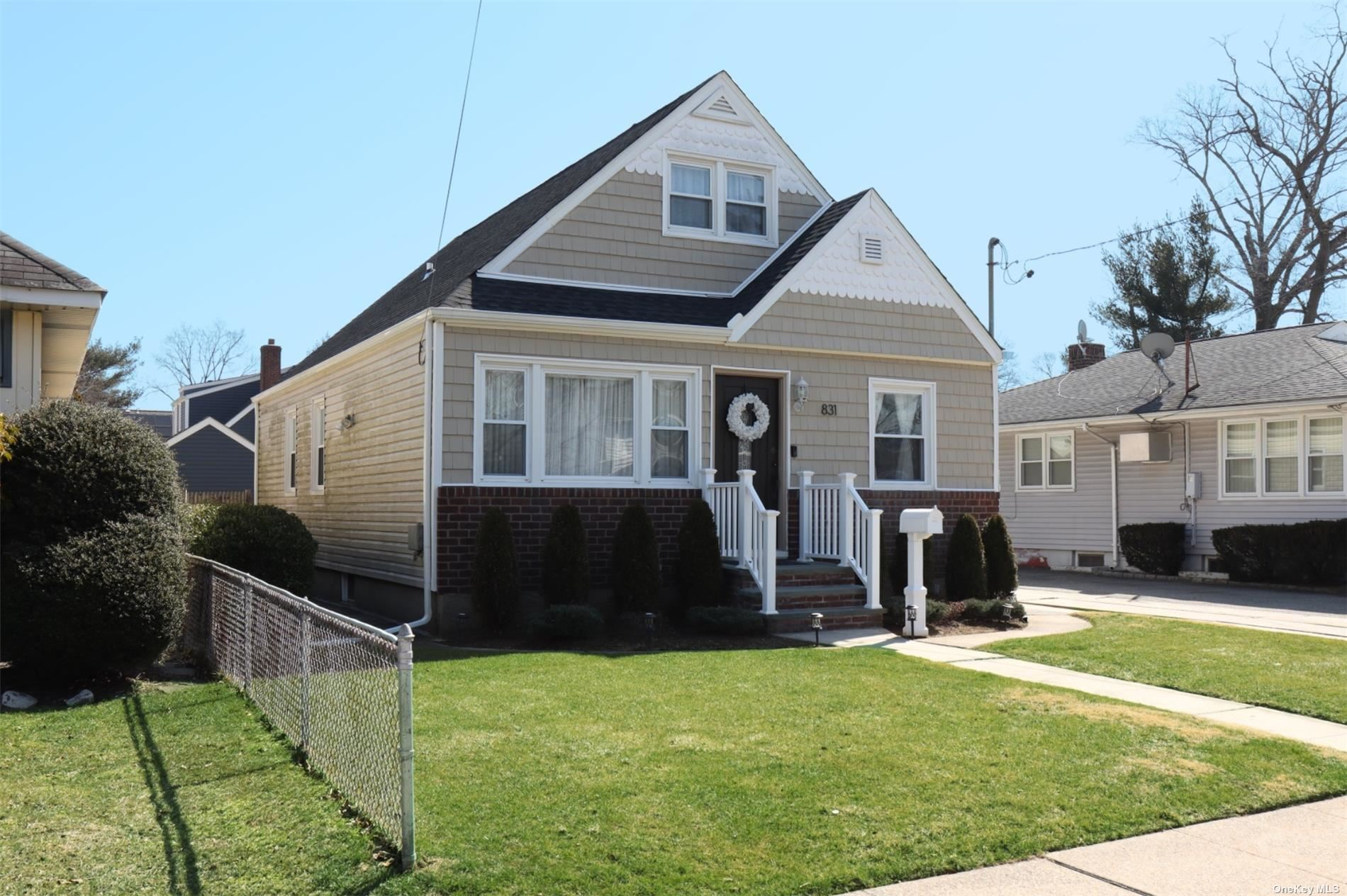 831 Arthur Street, West Hempstead, NY 11552 - MLS#: 3295450