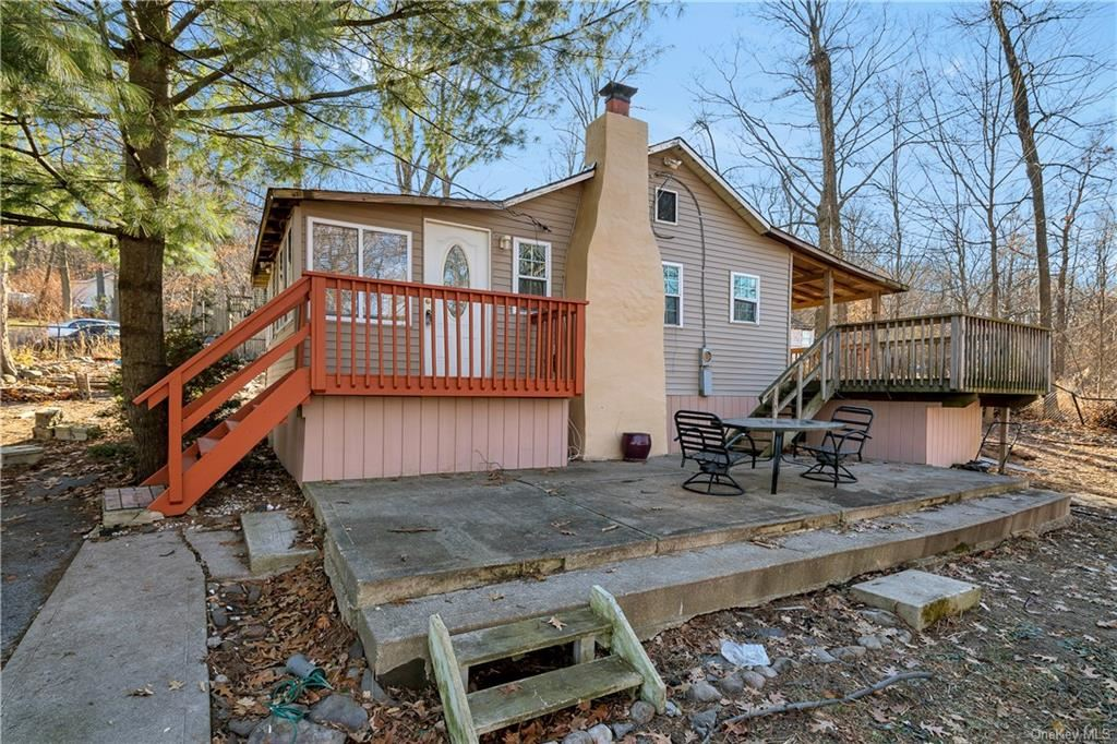 Photo of 10 Lookout Trail, Monroe, NY 10950 (MLS # H6100451)