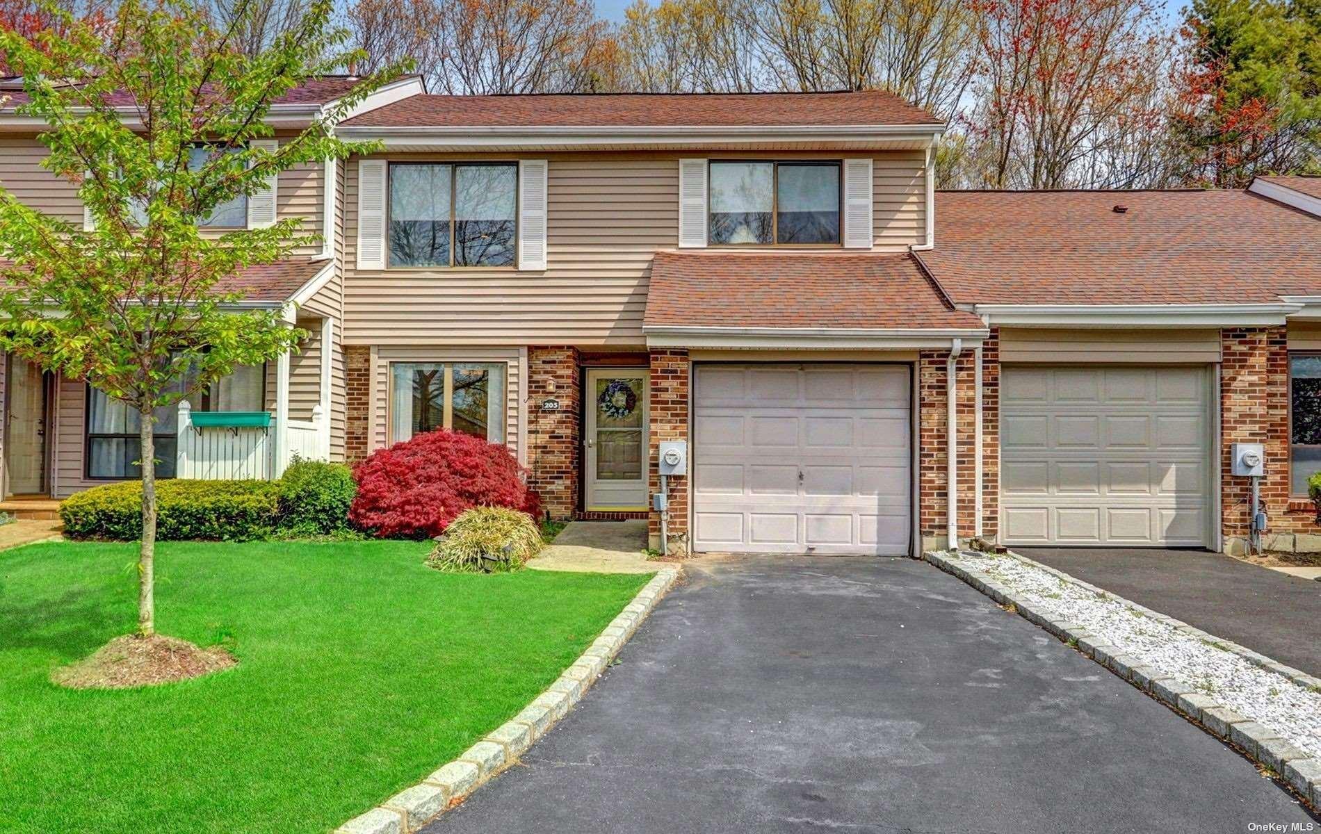 205 Pond View Lane, Smithtown, NY 11787 - MLS#: 3306452
