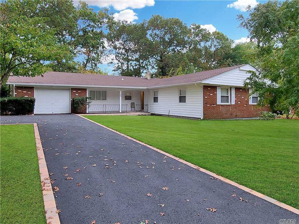 30 Whitfield Ln, Coram, NY 11727 - MLS#: 3263455