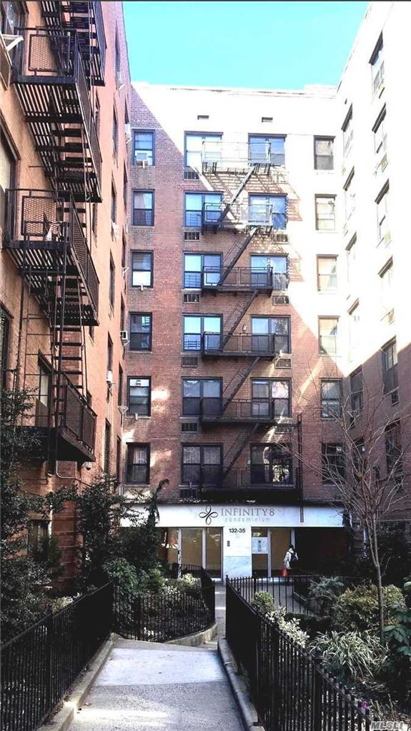 132-35 Sanford Avenue #5E, Flushing, NY 11355 - MLS#: 3105456