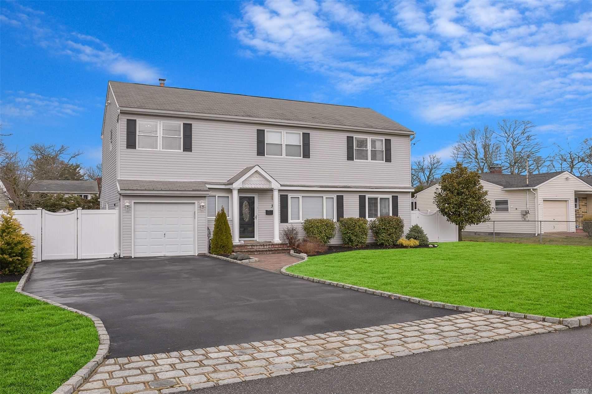 39 Gwendolyn Pl, East Islip, NY 11730 - MLS#: 3214457