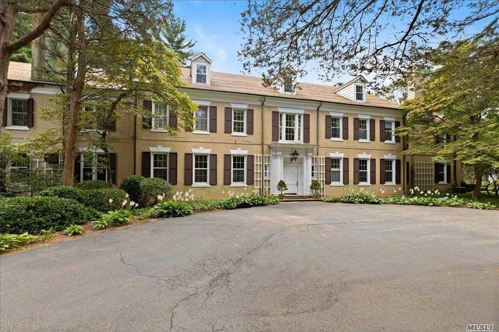 Photo of 6850 North Hempstead Turnpike, Oyster Bay Cove, NY 11791 (MLS # 3251458)
