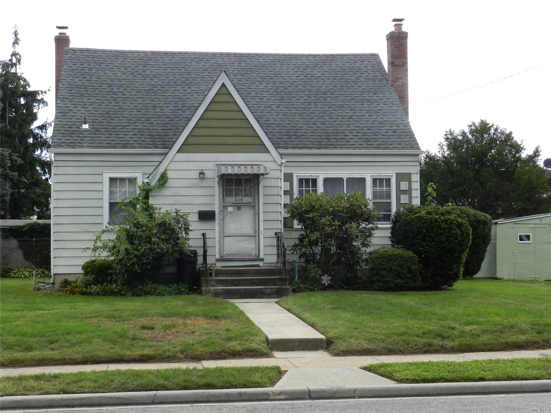 274 N Queens Avenue, Massapequa, NY 11758 - MLS#: 3065461