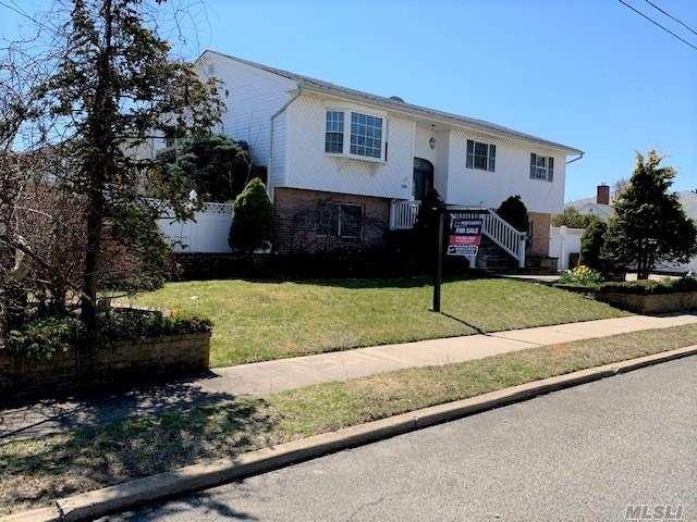 295 2nd Avenue, Lindenhurst, NY 11757 - MLS#: 3185462