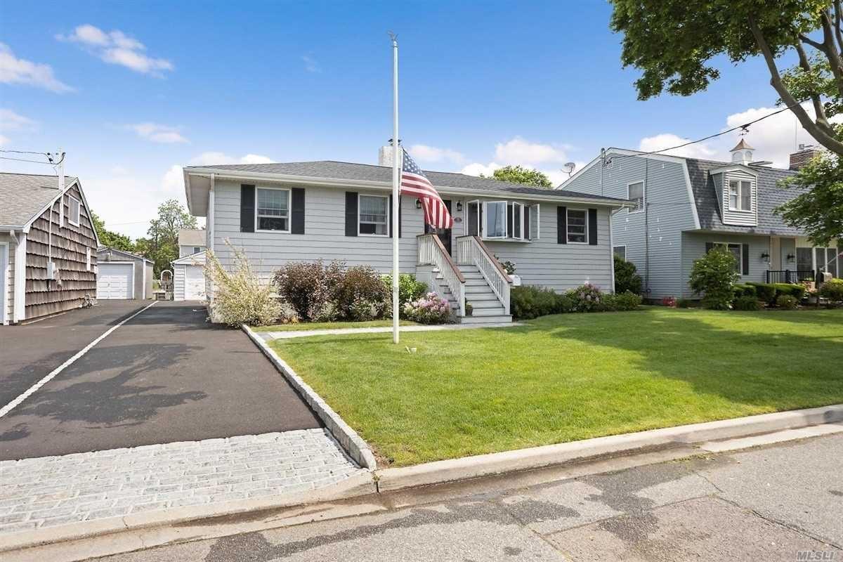 55 New Point Pl, Amityville, NY 11701 - MLS#: 3233463