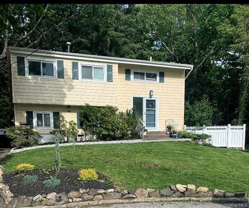 Photo of 5 Ivy Place, Hartsdale, NY 10530 (MLS # H6090465)