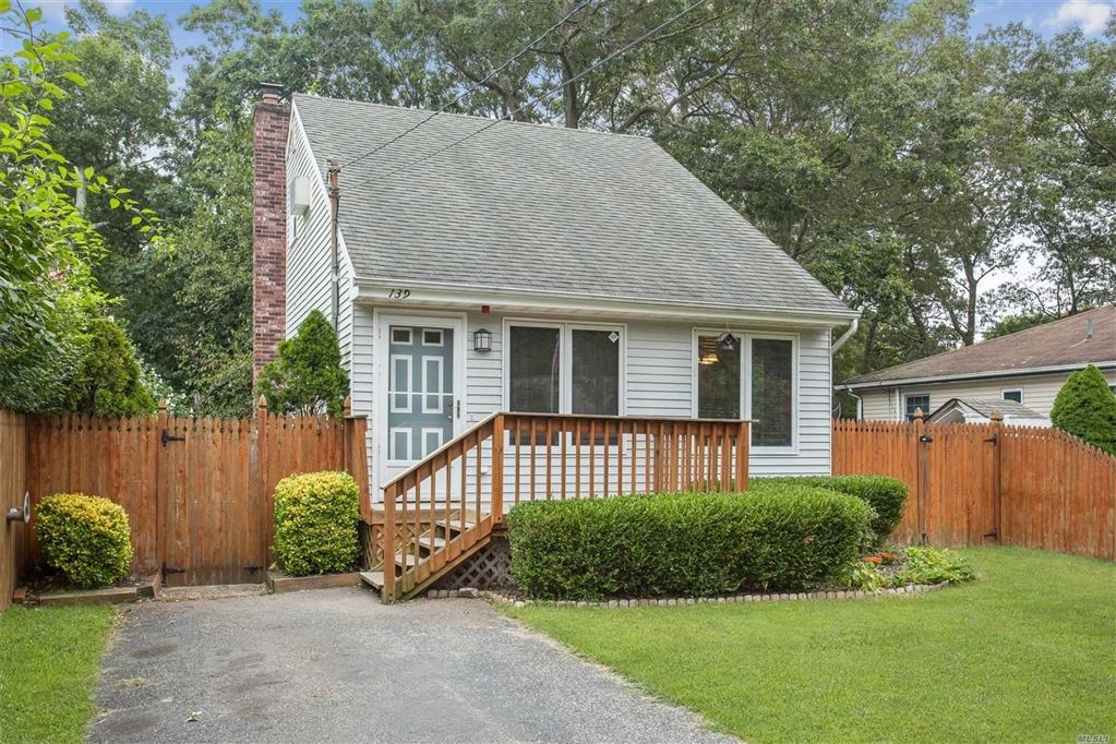 139 Pine Street, Patchogue, NY 11772 - MLS#: 3163467
