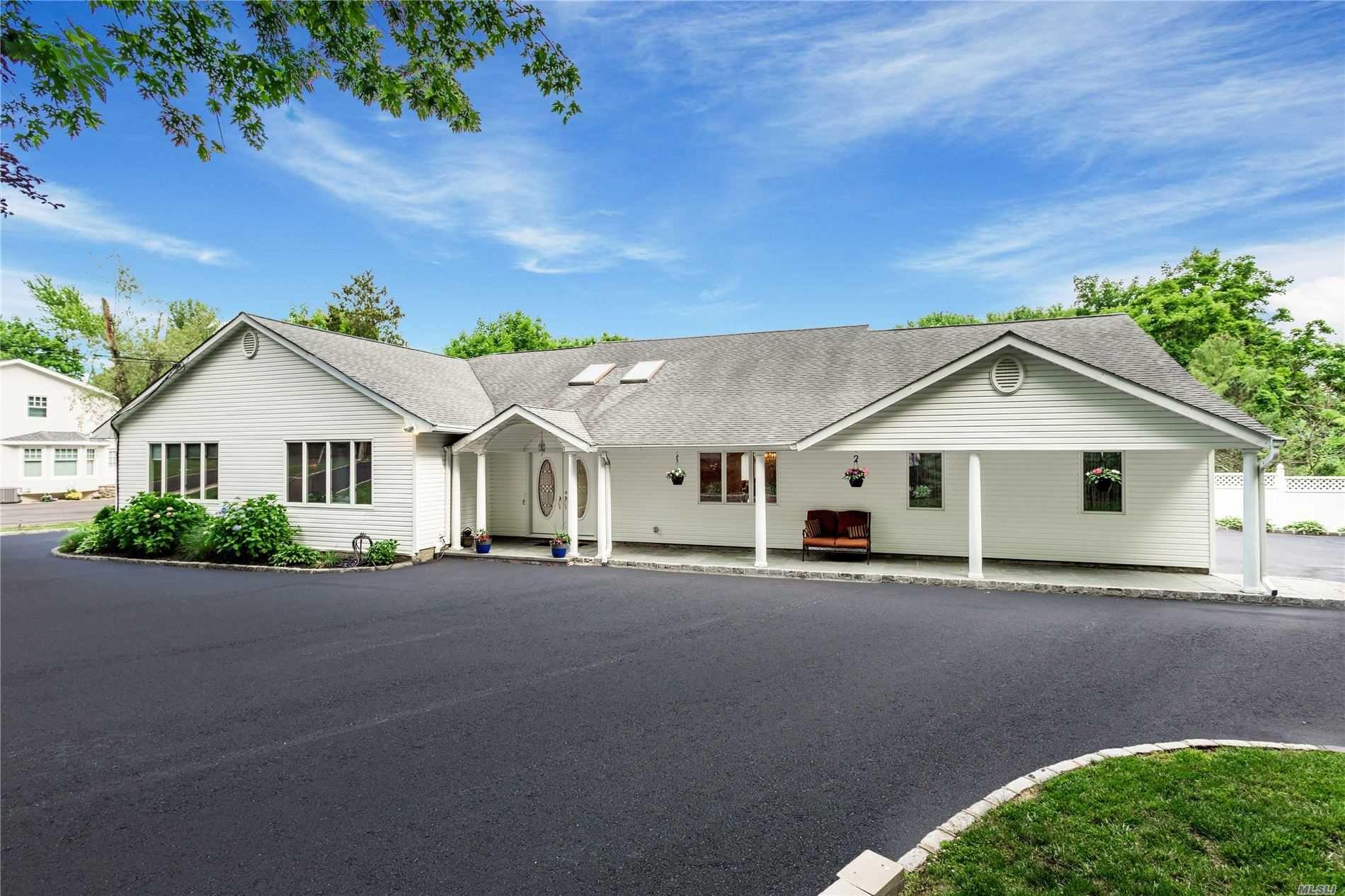 438 Wolf Hill Rd, Dix Hills, NY 11746 - MLS#: 3223468