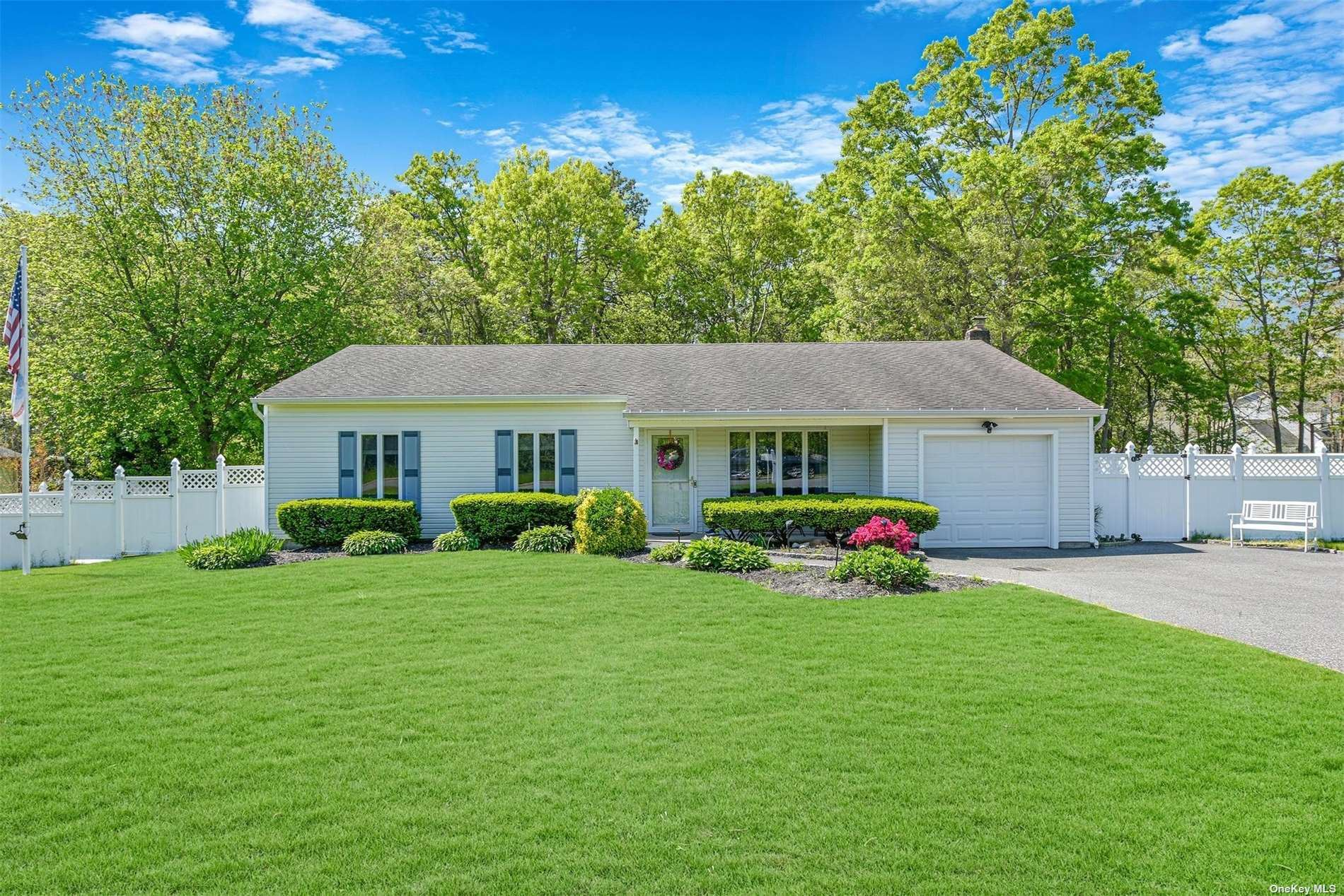 26 Gina Court, East Patchogue, NY 11772 - MLS#: 3314468