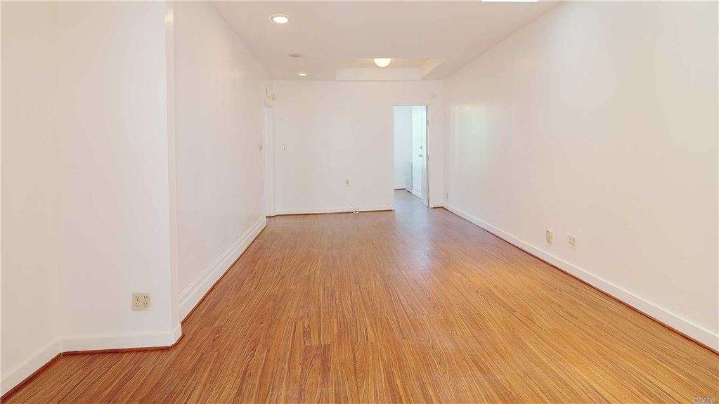 74-11 64th Place #2nd Fl, Glendale, NY 11385 - MLS#: 3130469
