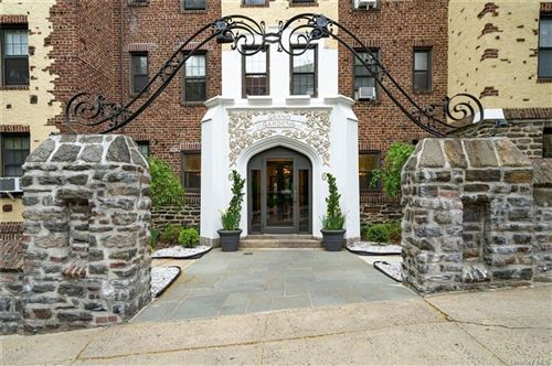 Photo of 61 West  Grand #2L, Mount Vernon, NY 10552 (MLS # H6025470)