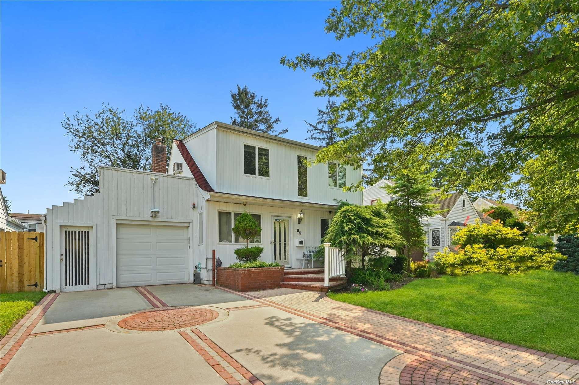 65 Edgeworth Street, Valley Stream, NY 11581 - MLS#: 3345472
