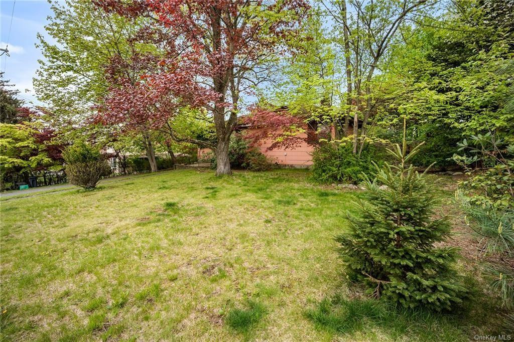 Photo of 5 Tudor Place, Hartsdale, NY 10530 (MLS # H6110473)