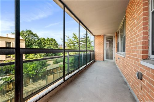 Photo of 70-25 Yellowstone Boulevard #3J, Forest Hills, NY 11375 (MLS # 3334474)