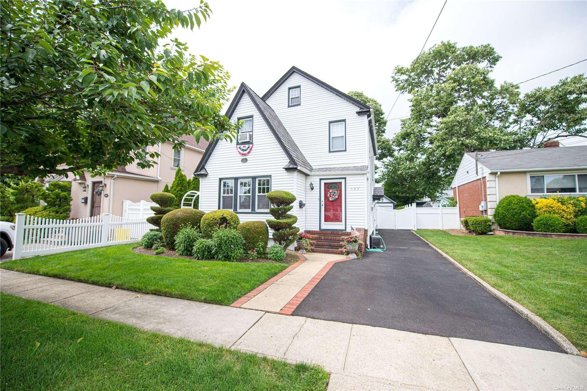 132 5th, Hicksville, NY 11801 - MLS#: 3324474