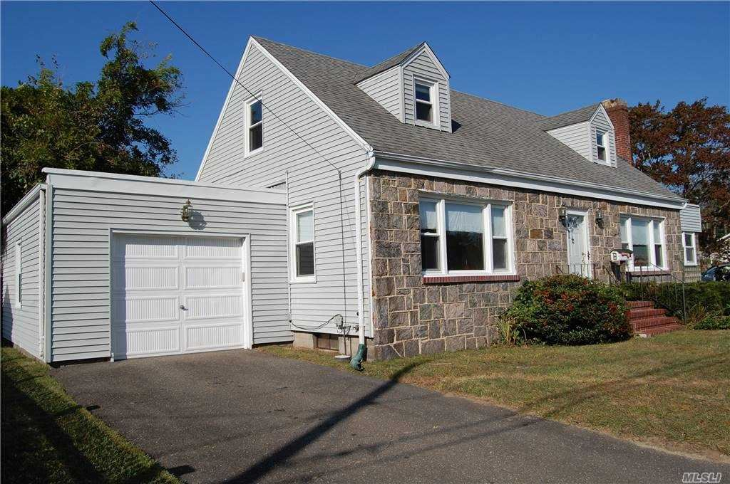 15 W 2nd Street, Patchogue, NY 11772 - MLS#: 3205475