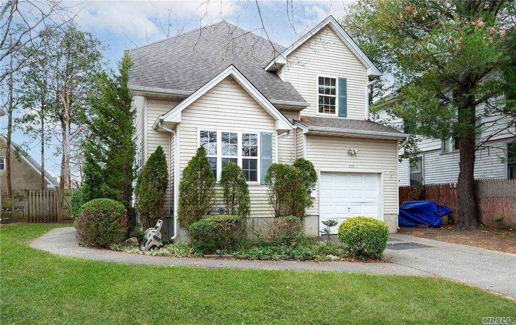 235 Linden Avenue, Westbury, NY 11590 - MLS#: 3274478