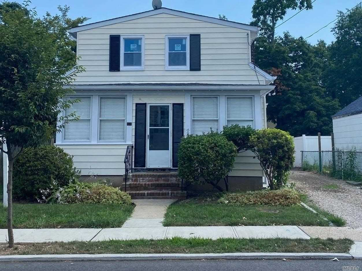 202 Winthrop Avenue, Westbury, NY 11590 - MLS#: 3198480