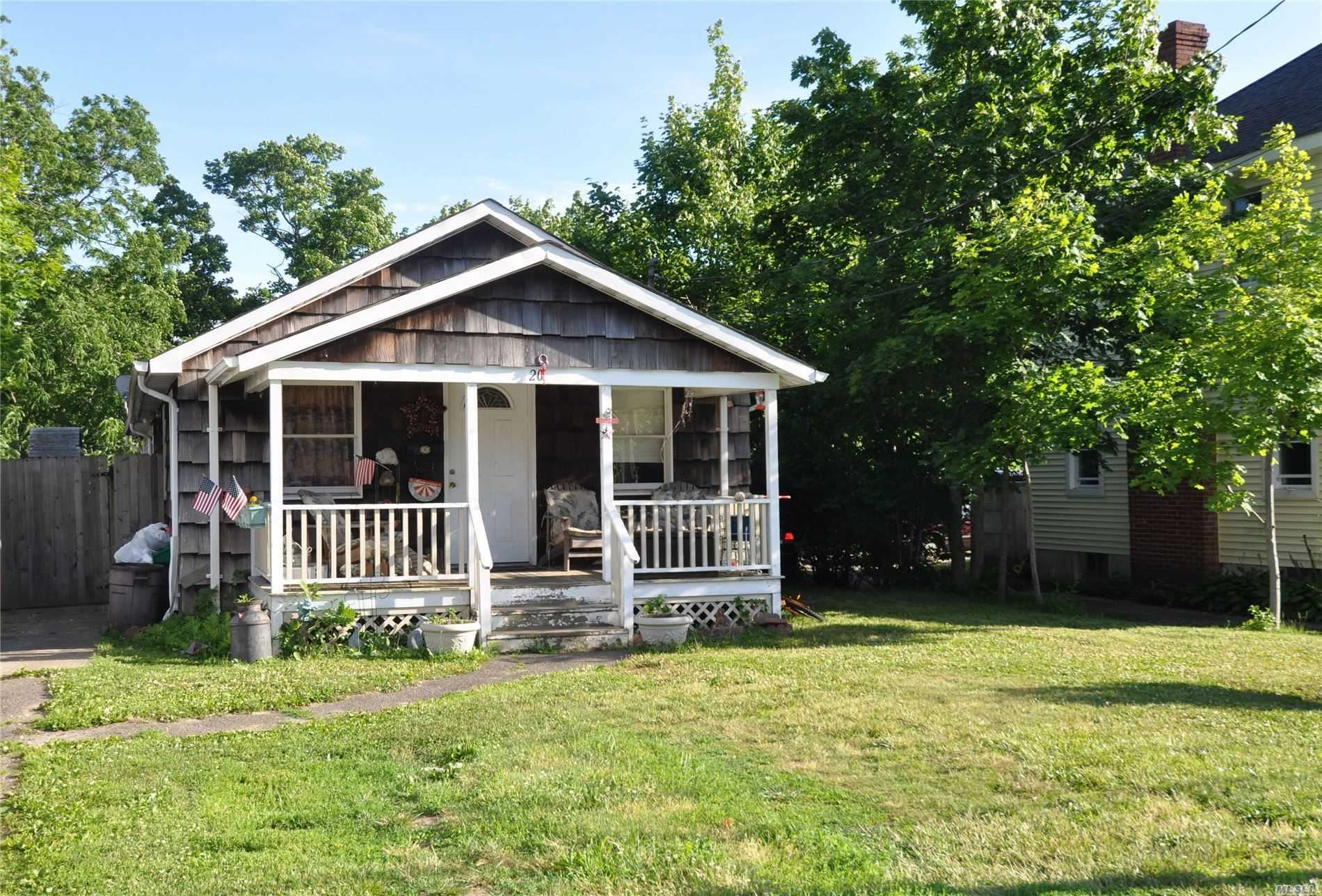 20 Silver Street, Patchogue, NY 11772 - MLS#: 3221482