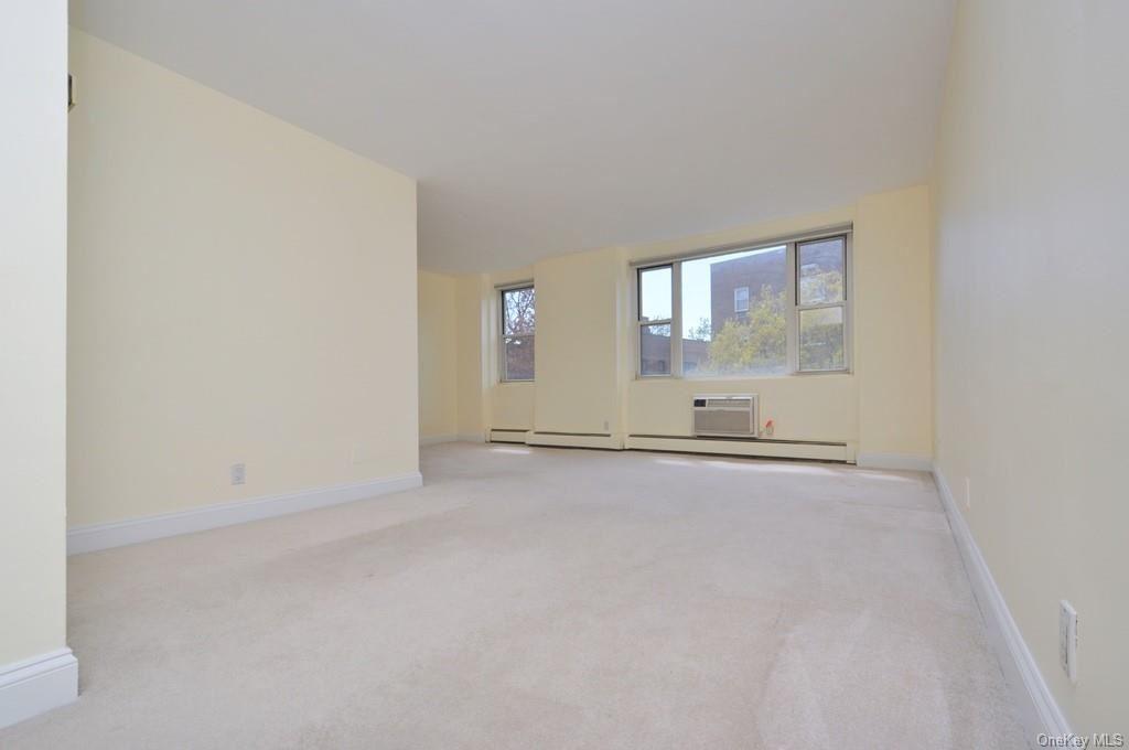 Photo of 119 E Hartsdale Avenue #5c, Hartsdale, NY 10530 (MLS # H6112483)