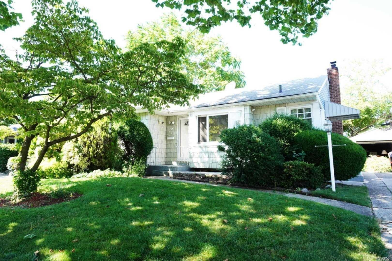 373 Spruce Lane, East Meadow, NY 11554 - MLS#: 3214484