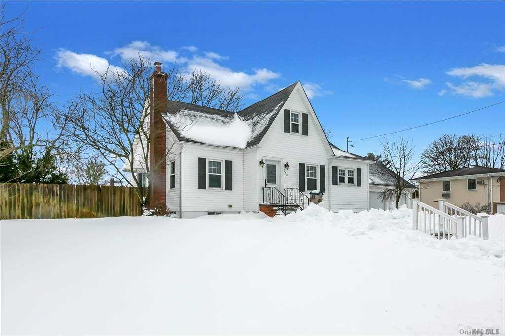330 Seward Street, West Babylon, NY 11704 - MLS#: 3285488