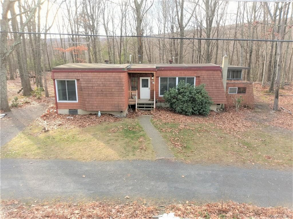 Photo of 37 Hill Road, Pine Bush, NY 12566 (MLS # H6085488)
