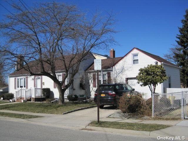 4 Lottie Avenue, Hicksville, NY 11801 - MLS#: 3340489
