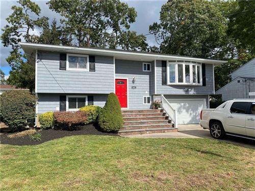 Photo of 425 Claremont Avenue, W. Babylon, NY 11704 (MLS # 3353493)
