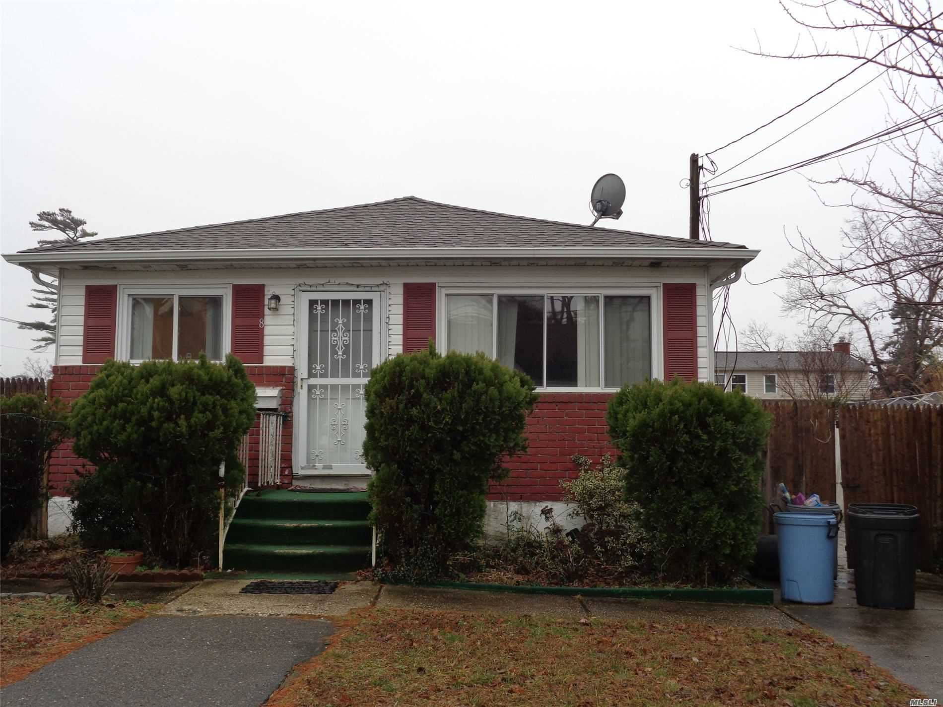 8 Campion St, Brentwood, NY 11717 - MLS#: 3213493