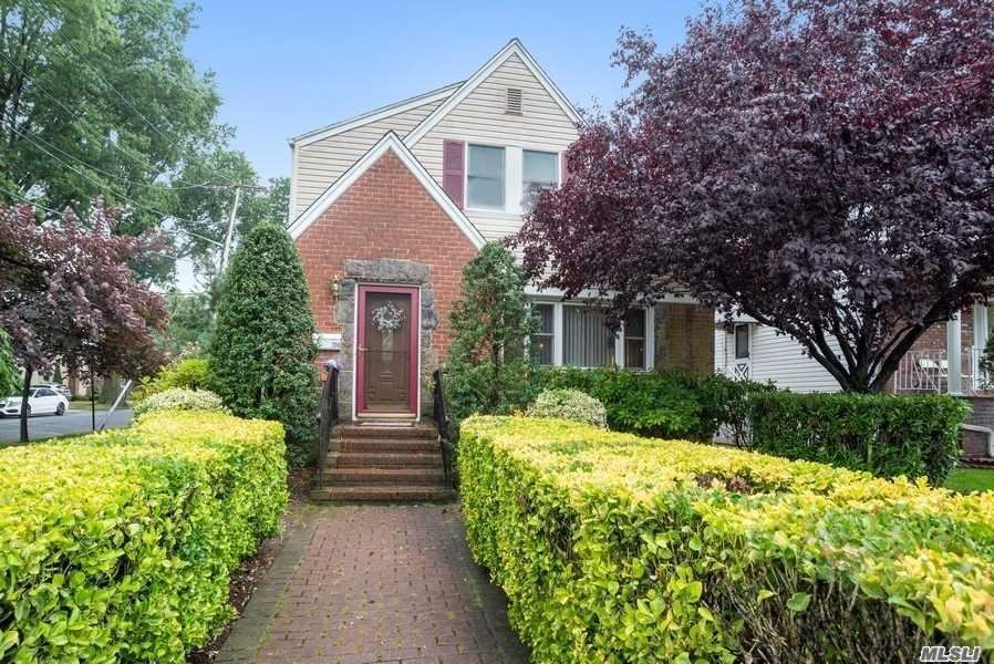 358 Tulip Ave, Floral Park, NY 11001 - MLS#: 3231493