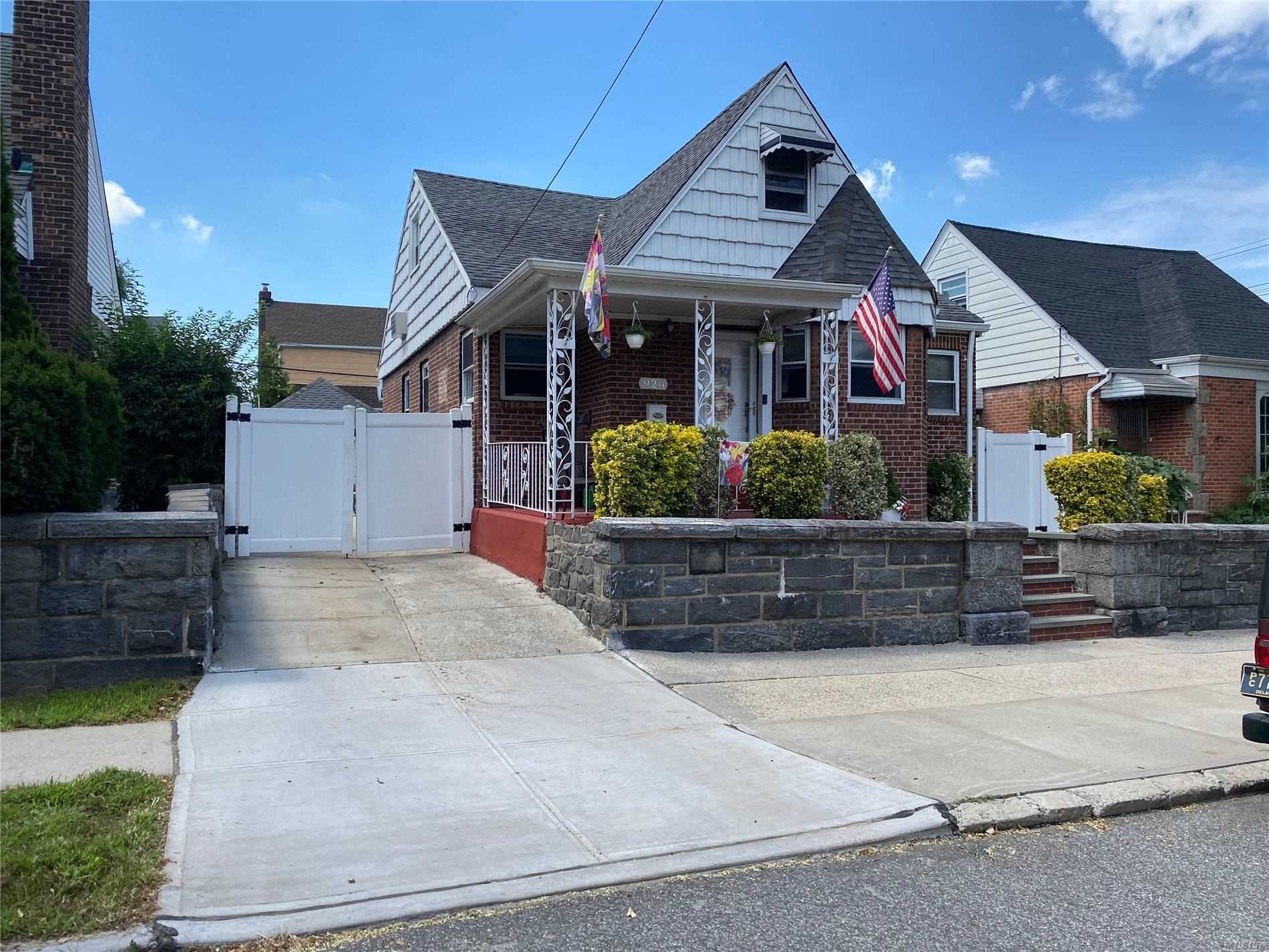 9-26 College Place, College Point, NY 11356 - MLS#: 3245495