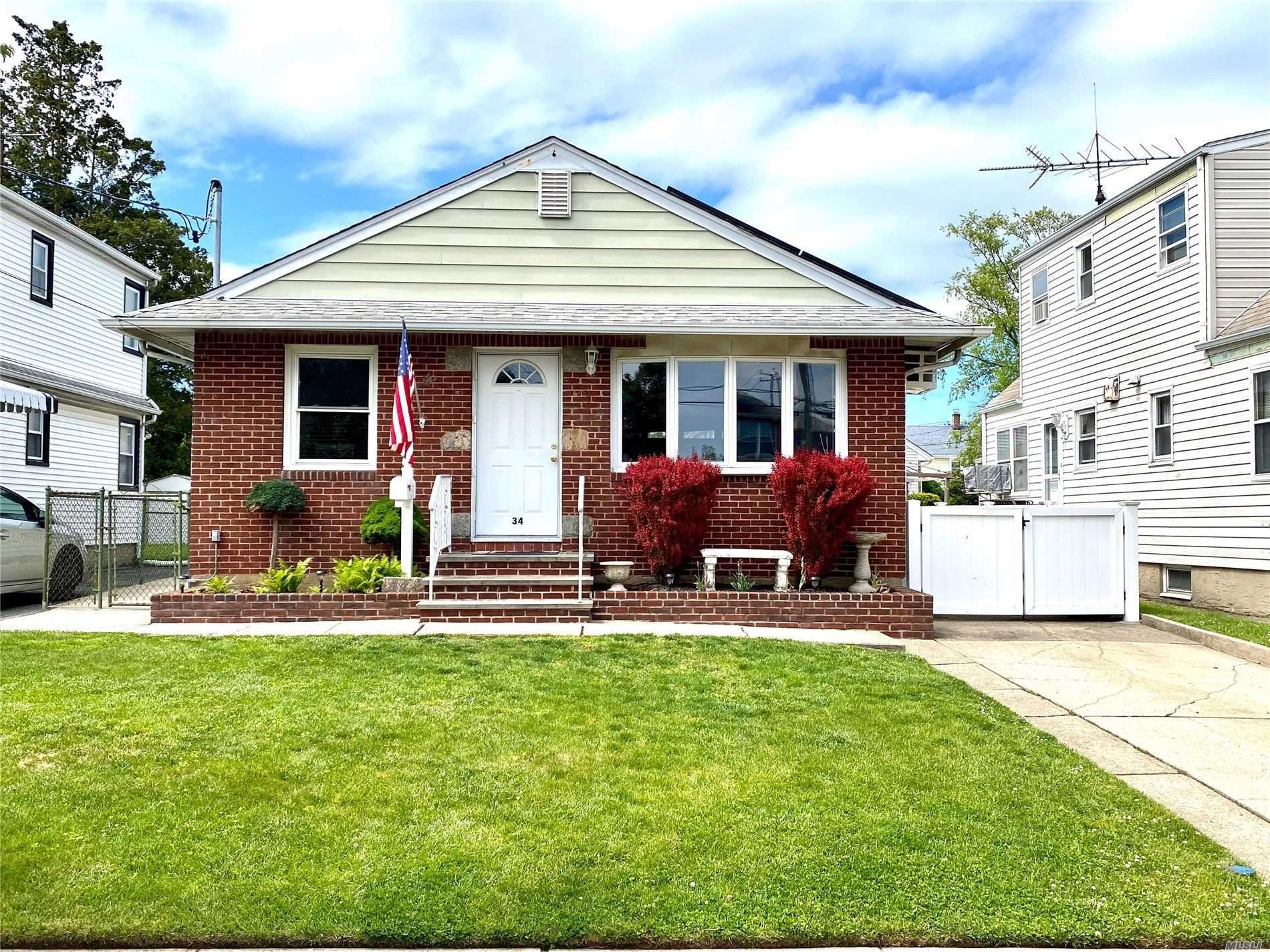 34 Colonial, Mineola, NY 11501 - MLS#: 3217500