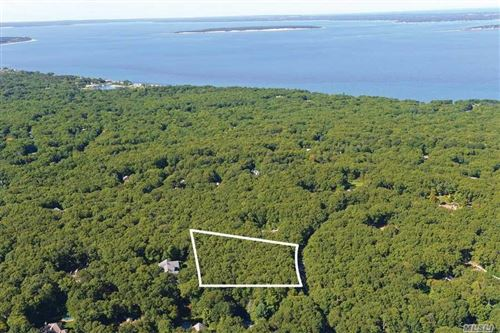 Photo of 16 Rolling Hill Court W, Sag Harbor, NY 11963 (MLS # 3216501)