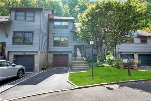 Photo of 27 Derby Court, Oyster Bay, NY 11771 (MLS # 3218502)
