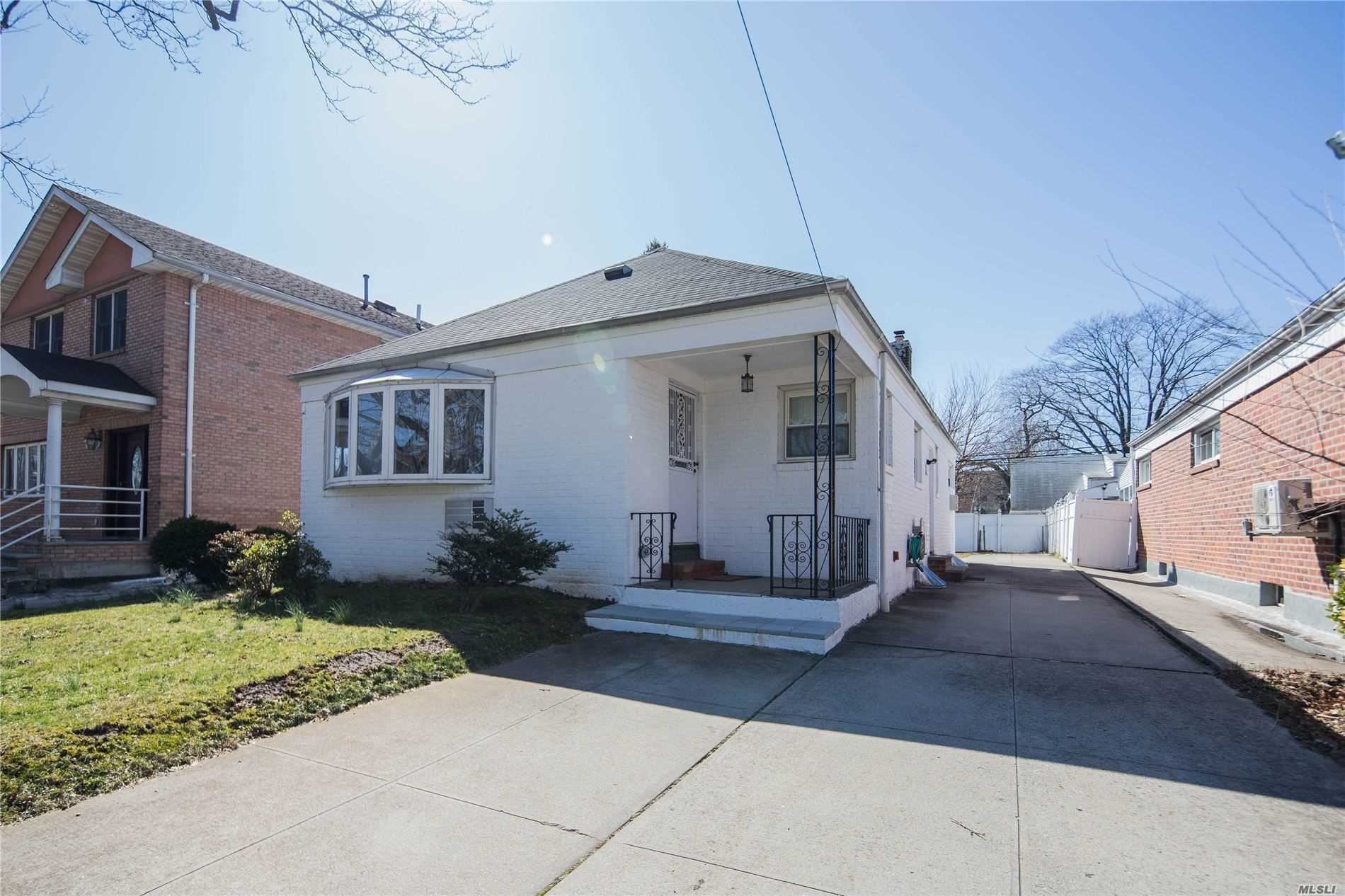53-12 Clearview Expressway, Bayside, NY 11364 - MLS#: 3231504