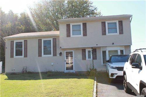 Photo of 432 Greenbelt Pkwy, Holtsville, NY 11742 (MLS # 3254506)