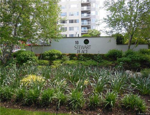 Photo of 10 Stewart Place #6DE, White Plains, NY 10603 (MLS # H6041506)