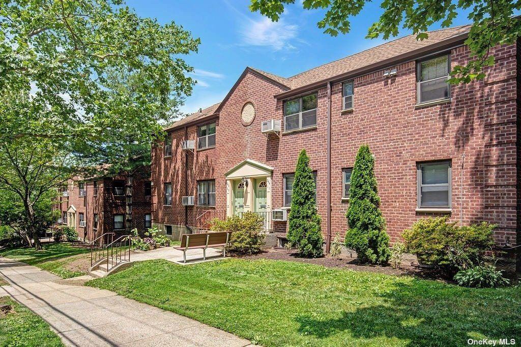 244-09 61st Avenue #Lower, Douglaston, NY 11362 - MLS#: 3294507