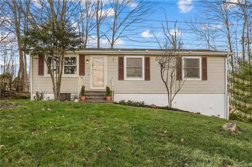 Photo of 150 Topland Road, Mahopac, NY 10541 (MLS # H6085508)