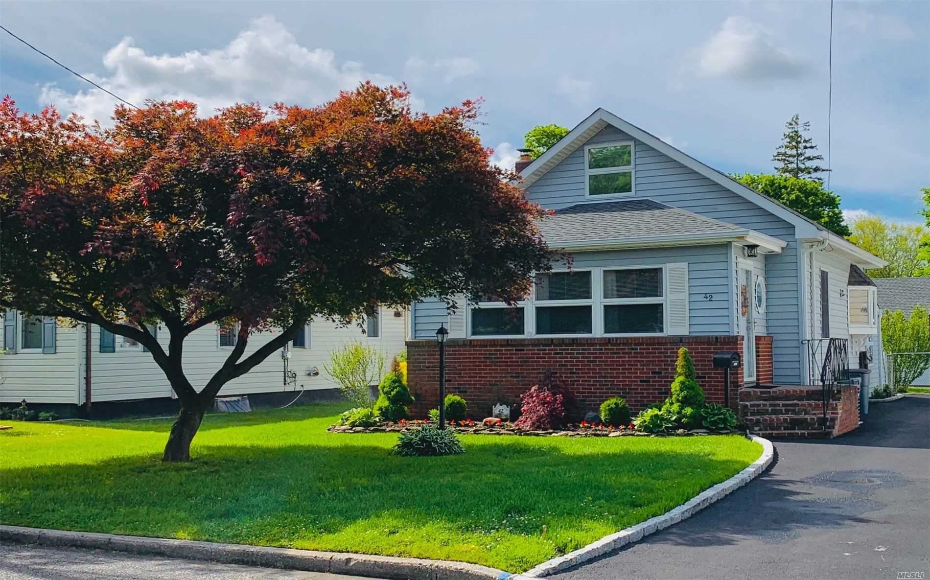 42 Silver Street, Patchogue, NY 11772 - MLS#: 3218508