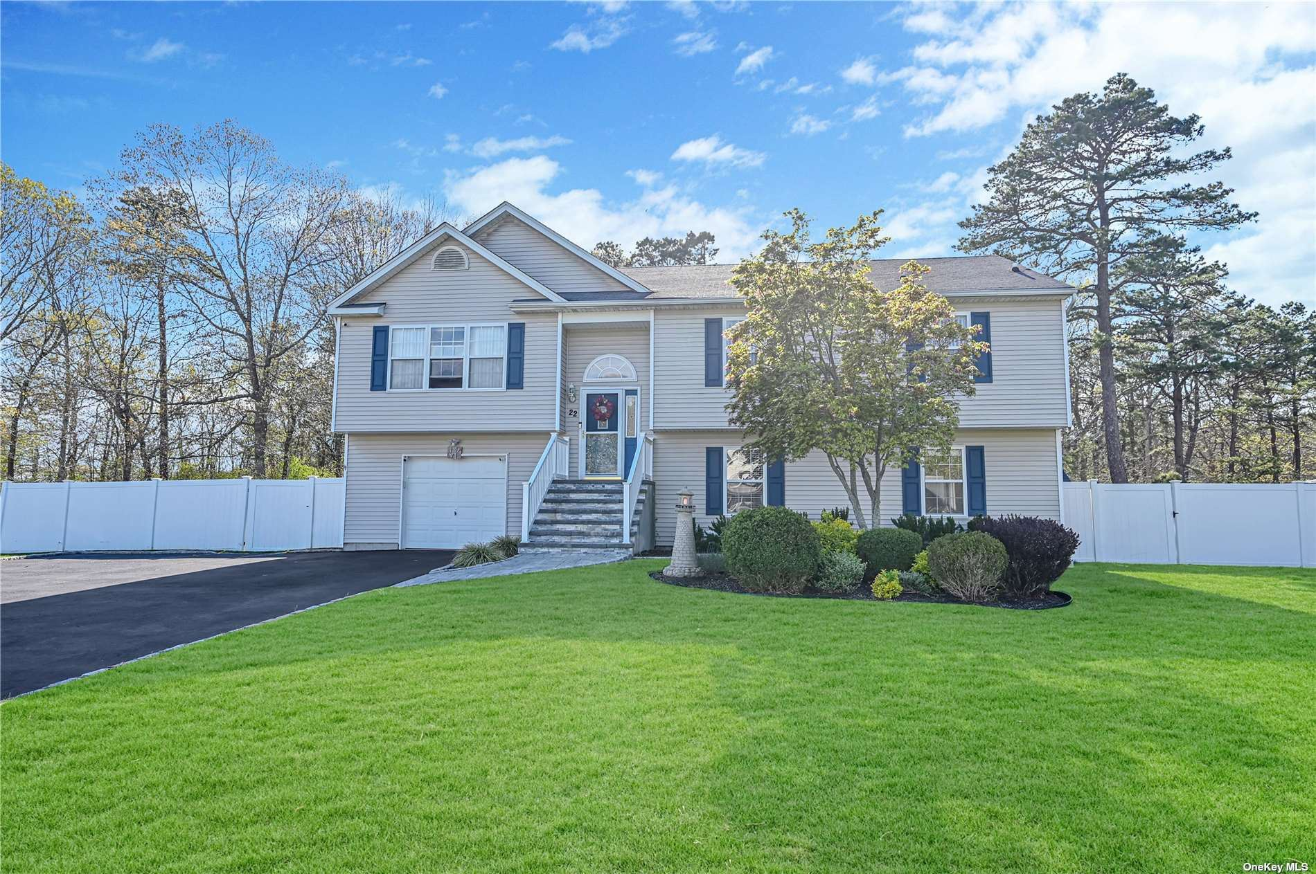 22 Summersweet Drive, Middle Island, NY 11953 - MLS#: 3306509