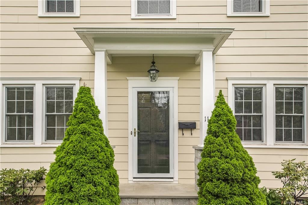 Photo of 112 Brewster Road, Scarsdale, NY 10583 (MLS # H6113509)