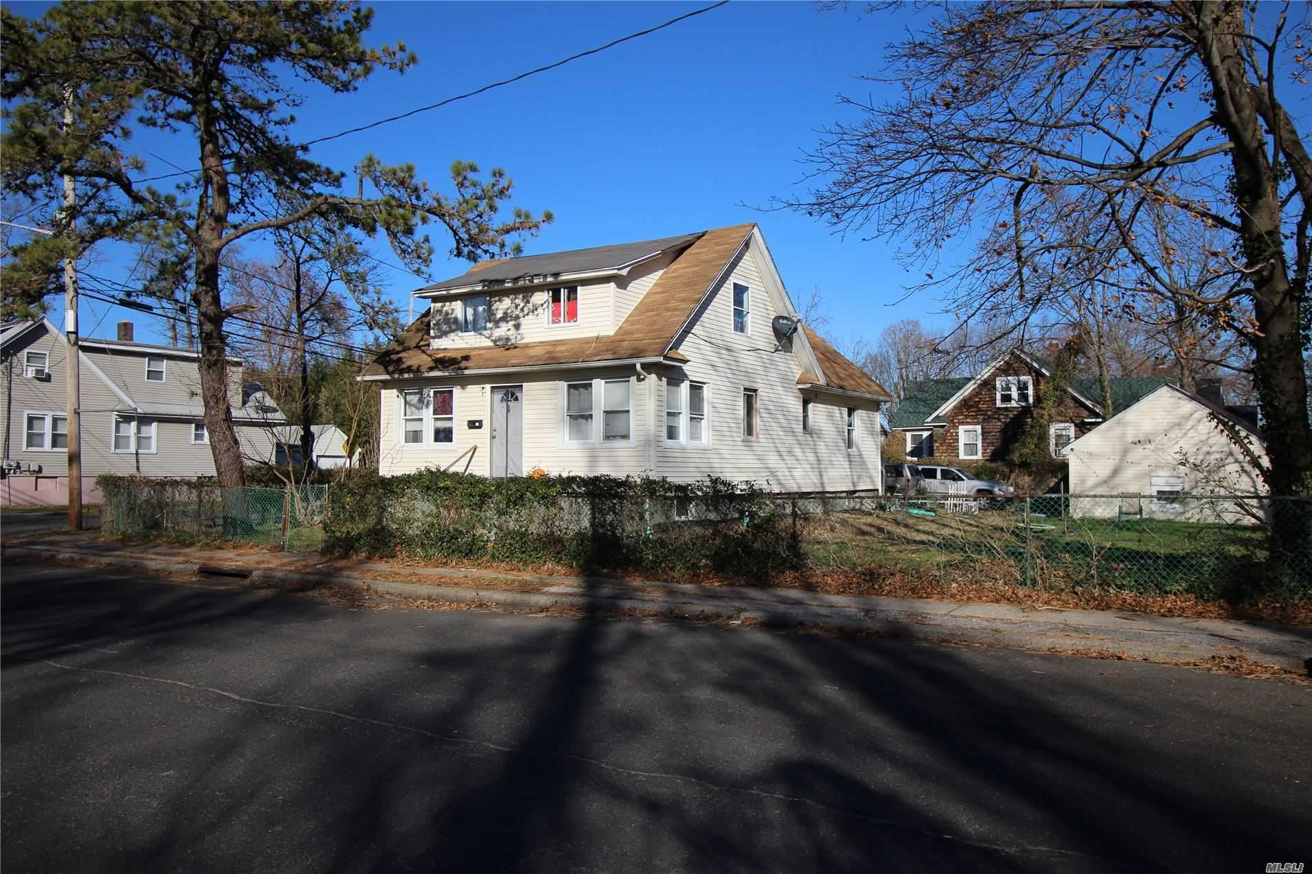 10 Ross Street, Bay Shore, NY 11706 - MLS#: 3184511